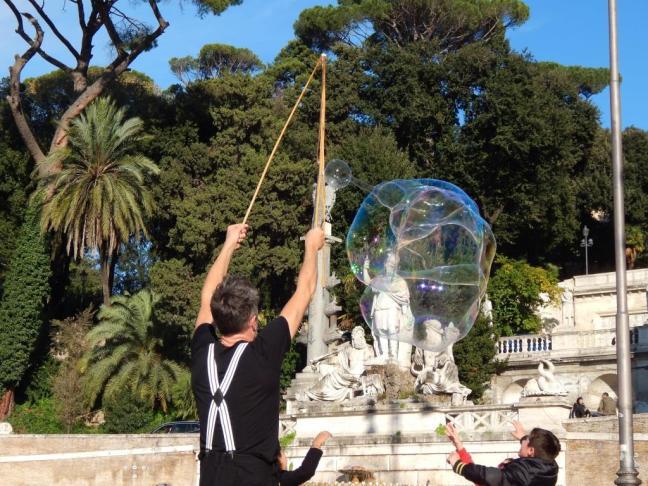 Piazza del Popolo e muitas bolhas de sabão - Roma