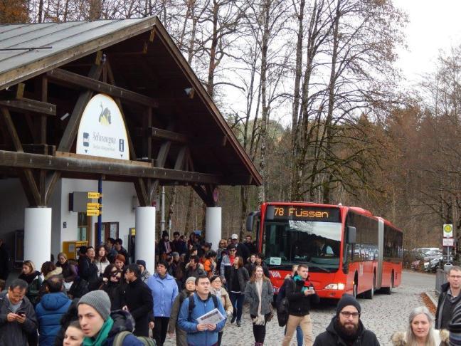 Desembarque do ônibus em Schwangau