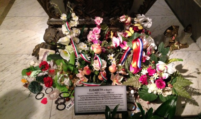 Detalhe túmulo Imperatriz Elisabeth, Sissi