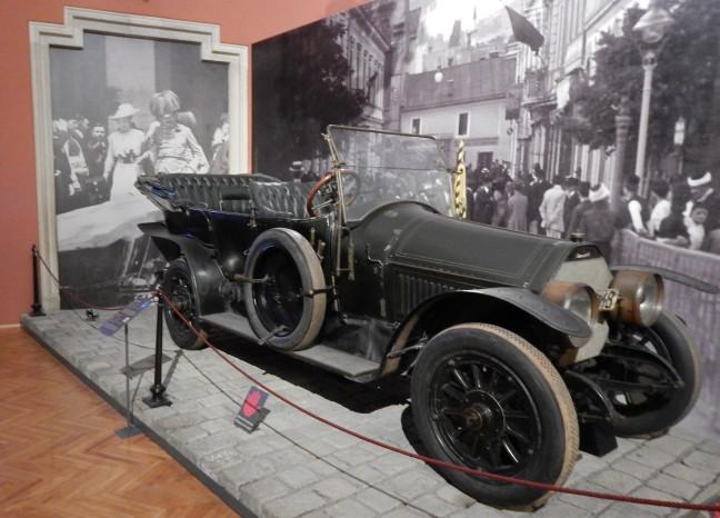 Carro em que Francisco Ferdinando e sua esposa Sophia foram baleados em Sarajevo