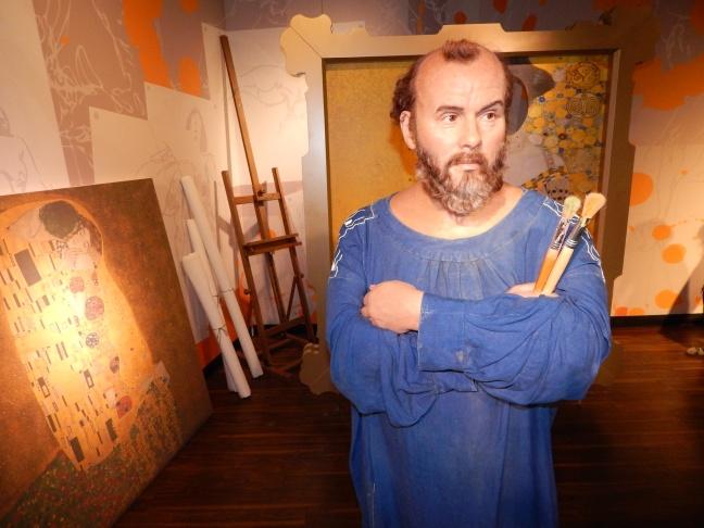 Gustav Klimt em réplica de cera no Madame Tussauds